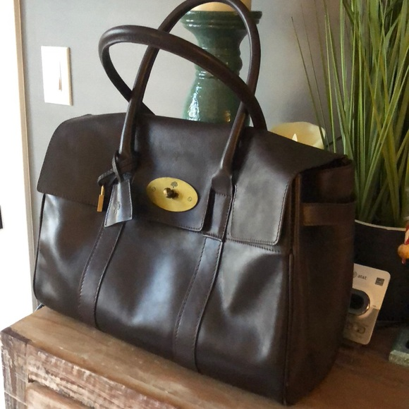 f9359cac36 ⬇️Sale Mulberry bayswater bag with brass hardware.  M_5c1fda77baebf6a7695c34d5